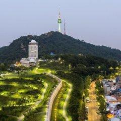Отель Millennium Hilton Seoul Южная Корея, Сеул - 1 отзыв об отеле, цены и фото номеров - забронировать отель Millennium Hilton Seoul онлайн приотельная территория фото 2