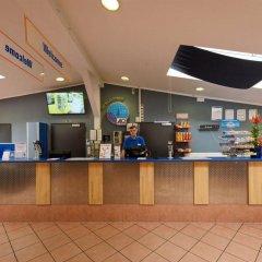 Отель A&O Berlin Friedrichshain Германия, Берлин - 3 отзыва об отеле, цены и фото номеров - забронировать отель A&O Berlin Friedrichshain онлайн банкомат