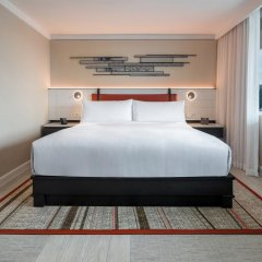 Отель DoubleTree by Hilton Bangkok Ploenchit Бангкок комната для гостей фото 6
