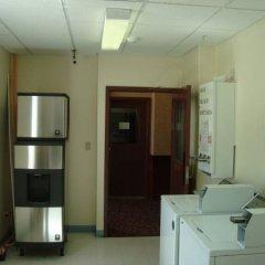 Отель Foxwood Inn & Suites Drayton Valley удобства в номере