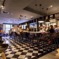 Die Port van Cleve Hotel гостиничный бар
