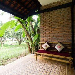 Отель Hue Riverside Boutique Resort & Spa Вьетнам, Хюэ - отзывы, цены и фото номеров - забронировать отель Hue Riverside Boutique Resort & Spa онлайн балкон