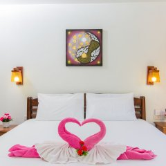 Отель Lemon Tree Naturist Phuket Niharn Beach сейф в номере