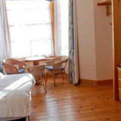 Отель The Victorian House 2* Стандартный семейный номер с различными типами кроватей фото 10