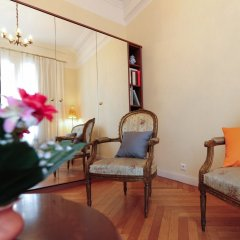 Отель Appartement Minuetto - 5 Stars Holiday House Ницца комната для гостей фото 2