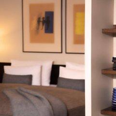 Hotel Bergs – Small Luxury Hotels of the World сейф в номере