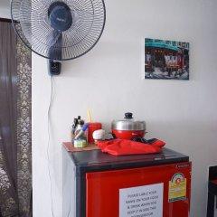 Ananas Phuket Hostel в номере фото 2