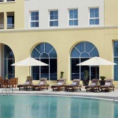 Отель Courtyard by Marriott Dubai Green Community спортивное сооружение