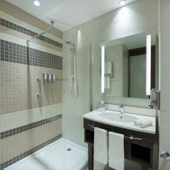 Отель Hampton by Hilton Dubai Airport ванная