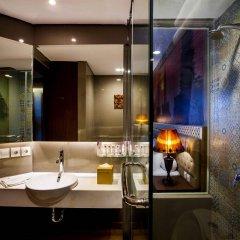 Отель Grand Mercure Yogyakarta Adi Sucipto Индонезия, Слеман - отзывы, цены и фото номеров - забронировать отель Grand Mercure Yogyakarta Adi Sucipto онлайн ванная