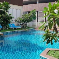 Отель FuramaXclusive Sathorn, Bangkok бассейн фото 3