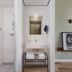 Отель Corendon Village Hotel Amsterdam Нидерланды, Бадхевердорп - отзывы, цены и фото номеров - забронировать отель Corendon Village Hotel Amsterdam онлайн ванная