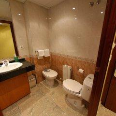 Отель Evenia Platja Mar Испания, Калафель - отзывы, цены и фото номеров - забронировать отель Evenia Platja Mar онлайн ванная
