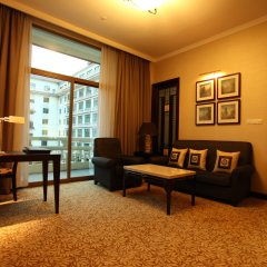 Dong Fang Hotel комната для гостей