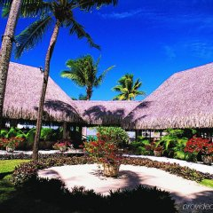 Отель InterContinental Le Moana Resort Bora Bora бассейн