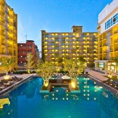 Grand Bella Hotel бассейн