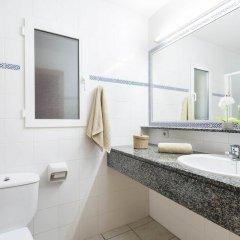 Отель Villas Sol Испания, Кала-эн-Бланес - отзывы, цены и фото номеров - забронировать отель Villas Sol онлайн ванная