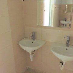 Отель Hostel N1 in Sofia Болгария, София - отзывы, цены и фото номеров - забронировать отель Hostel N1 in Sofia онлайн ванная