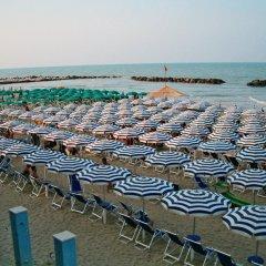 Отель Grand Eurhotel Италия, Монтезильвано - отзывы, цены и фото номеров - забронировать отель Grand Eurhotel онлайн пляж