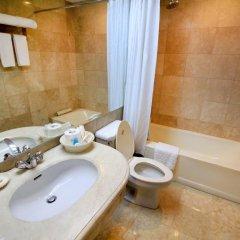 Отель Oxford Suites Makati Филиппины, Макати - отзывы, цены и фото номеров - забронировать отель Oxford Suites Makati онлайн ванная фото 2