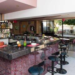 Отель Villa George гостиничный бар