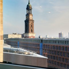 Отель Motel One Hamburg-Alster Германия, Гамбург - отзывы, цены и фото номеров - забронировать отель Motel One Hamburg-Alster онлайн балкон