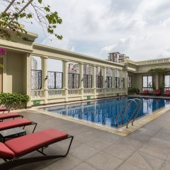 Отель The Manor Luxury 1BR Apartment Center Вьетнам, Хошимин - отзывы, цены и фото номеров - забронировать отель The Manor Luxury 1BR Apartment Center онлайн бассейн фото 3