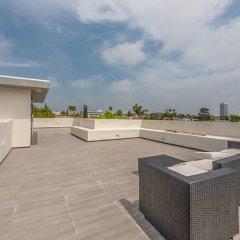 Отель Laurel Modern Villa США, Лос-Анджелес - отзывы, цены и фото номеров - забронировать отель Laurel Modern Villa онлайн балкон