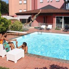 Отель Albergo Zoello Je Suis бассейн фото 3