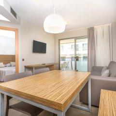 Отель Aparthotel Odissea Park Испания, Санта-Сусанна - отзывы, цены и фото номеров - забронировать отель Aparthotel Odissea Park онлайн комната для гостей фото 5