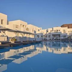 Aqua Blue Hotel бассейн