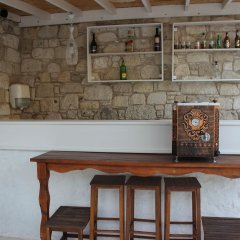 Отель Mina Otel Alacati Чешме гостиничный бар