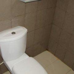 New Pawana Hotel ванная фото 2