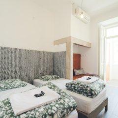 Hub Lisbon Patio Hostel Лиссабон комната для гостей фото 3