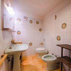Отель Amazing View to Pitti Palace 3BD Apt ванная