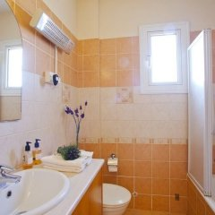Отель Myrsini's Garden Кипр, Протарас - отзывы, цены и фото номеров - забронировать отель Myrsini's Garden онлайн ванная