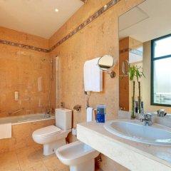 Отель Tryp Madrid Atocha Hotel Испания, Мадрид - 8 отзывов об отеле, цены и фото номеров - забронировать отель Tryp Madrid Atocha Hotel онлайн ванная фото 2
