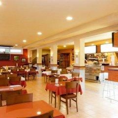 Отель Camping Bungalows El Far питание фото 3