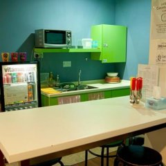Burrow Hostel @ Smith Сингапур питание
