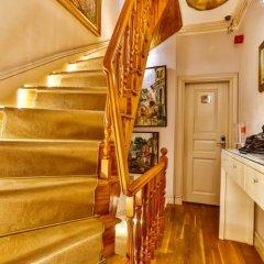 Апартаменты Faik Pasha Suites & Apartments Стамбул комната для гостей