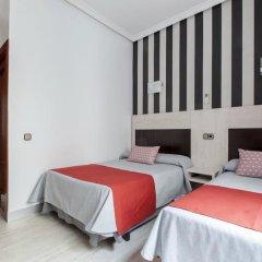 Отель Hostal Castilla I Испания, Мадрид - отзывы, цены и фото номеров - забронировать отель Hostal Castilla I онлайн комната для гостей
