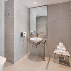 Отель Holiday Inn Express Bangkok Soi Soonvijai ванная