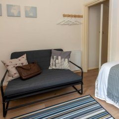 Отель Cosy Studio in Heart of West Didsbury Великобритания, Манчестер - отзывы, цены и фото номеров - забронировать отель Cosy Studio in Heart of West Didsbury онлайн комната для гостей фото 3