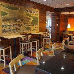 Отель Fairfield Inn & Suites by Marriott Columbus Airport США, Колумбус - отзывы, цены и фото номеров - забронировать отель Fairfield Inn & Suites by Marriott Columbus Airport онлайн гостиничный бар