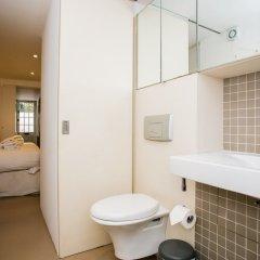 Отель 2 Bed Flat Near Kensington Gardens Великобритания, Лондон - отзывы, цены и фото номеров - забронировать отель 2 Bed Flat Near Kensington Gardens онлайн ванная фото 2