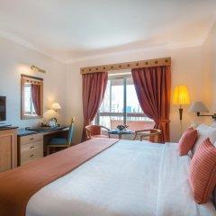Отель Holiday International Sharjah комната для гостей