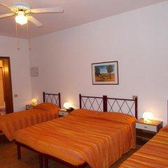 Отель Pensione Delfino Azzurro Лорето комната для гостей фото 3