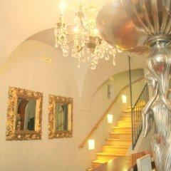 Отель Бутик-отель The Golden Wheel Чехия, Прага - отзывы, цены и фото номеров - забронировать отель Бутик-отель The Golden Wheel онлайн интерьер отеля фото 2