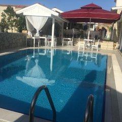 Отель Alacati Eldoris Otel Чешме бассейн