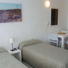 Отель Apartamentos Sabina Playa Испания, Форментера - отзывы, цены и фото номеров - забронировать отель Apartamentos Sabina Playa онлайн комната для гостей